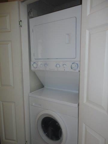 10B- washer dryer area NEW.jpg