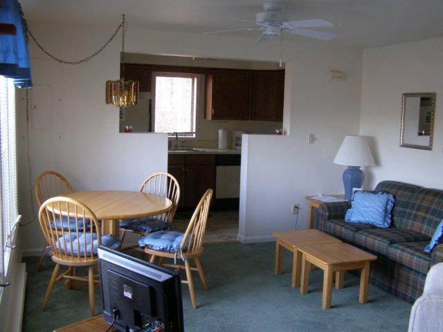 10M-living room-dining.JPG