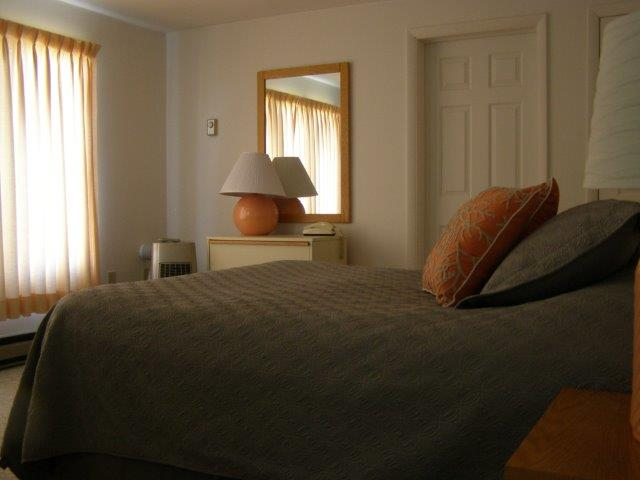 13E- Bedroom.jpg