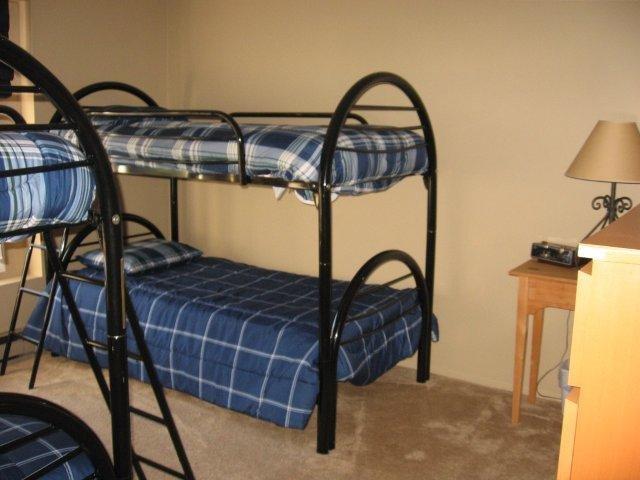 16-B 2nd bedroom .jpg.JPG