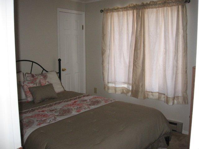 16-B 3rd bedroom jpg.JPG