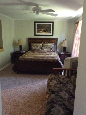 18B- master bedroom.jpg