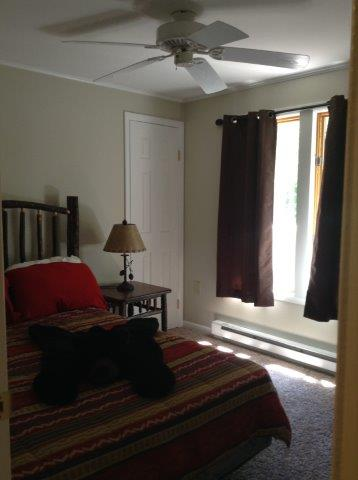 18B- third bedroom.jpg