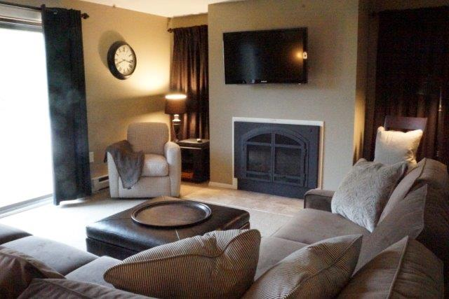 1D- Living Room.jpg