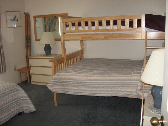 20-N 2nd bedroom.jpg