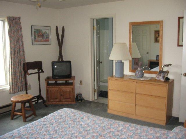 20-N master bedroom 2. jpg.JPG