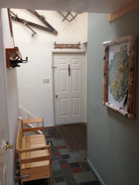 20B- Foyer from livingroom new.JPG