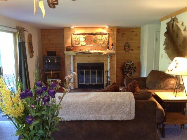 20B- living room fireplace-new.JPG