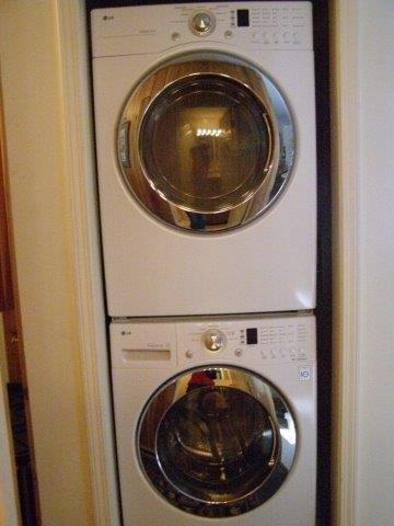 22N- washer -dryer.jpg