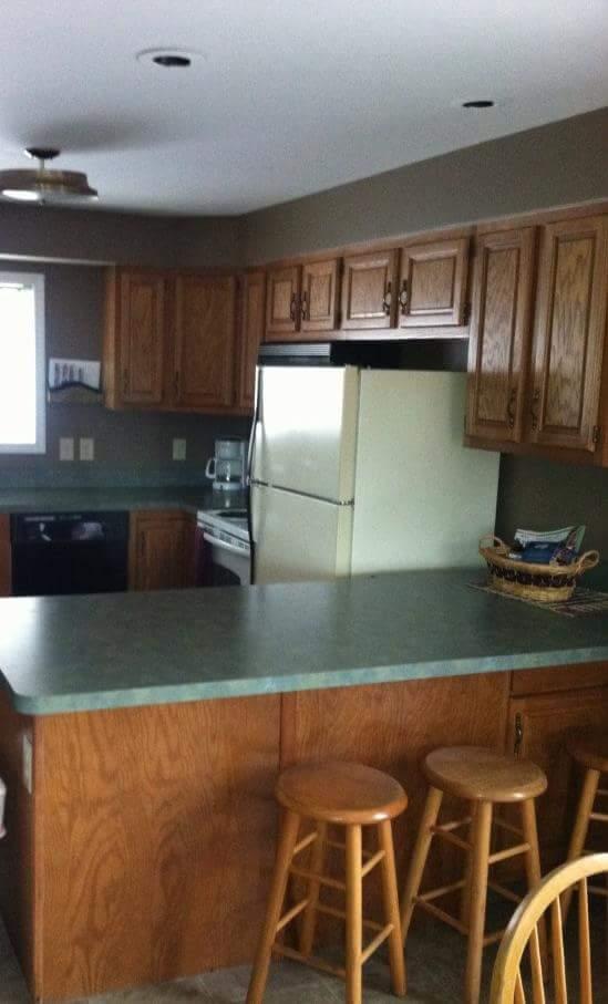 25L- kitchen bar NEW.jpg