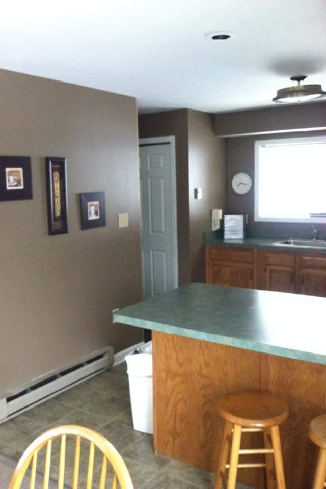 25L- kitchen from diningroom NEW.jpg