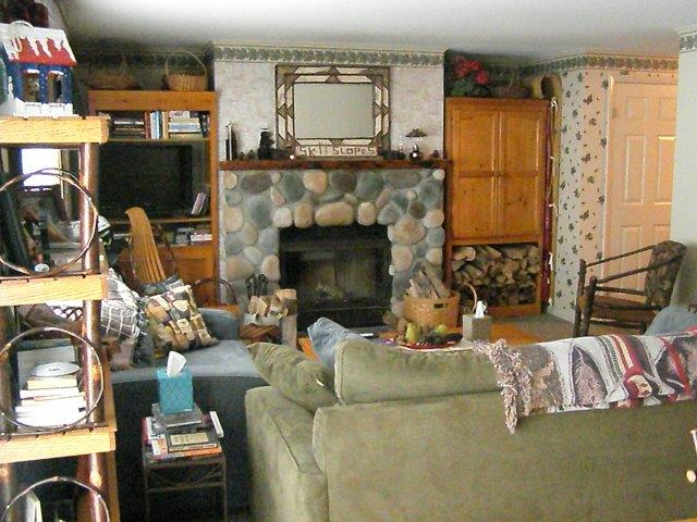 30C Living Room Fireplace.jpg