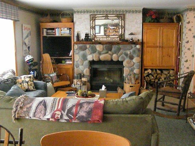 30C- Fireplace.jpg