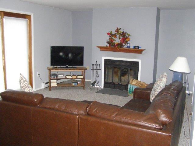 36F- Living Room.JPG
