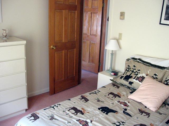 39-O 3rd bedroom.JPG