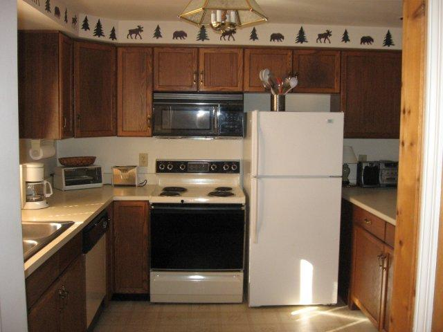 39-O Kitchen. jpg.JPG