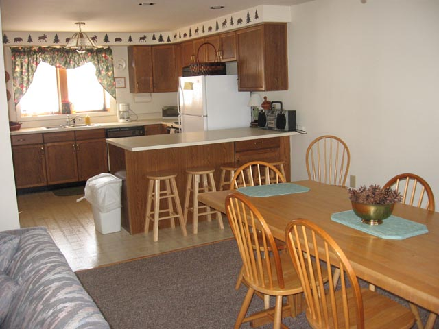 39-O kitchen diningroom.JPG