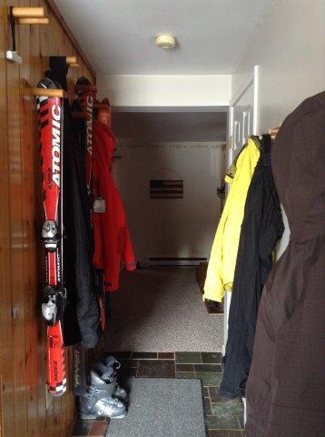 41-O foyer.jpg