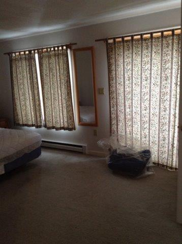 41O- master bedroom.jpg
