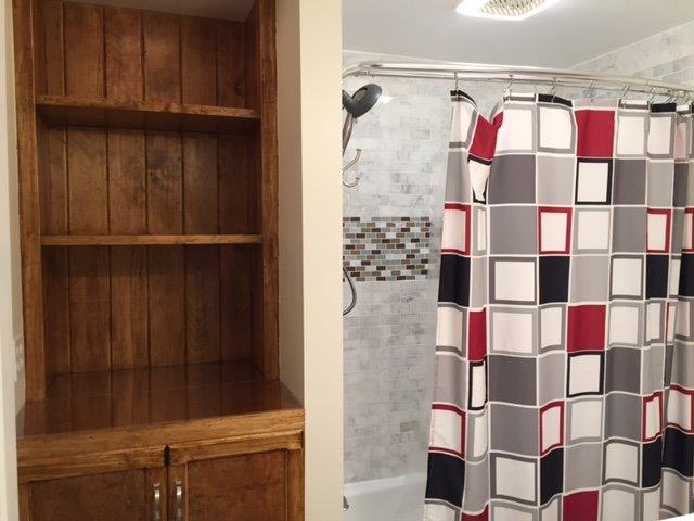 42F- Upstairs Hall Bath new.JPG