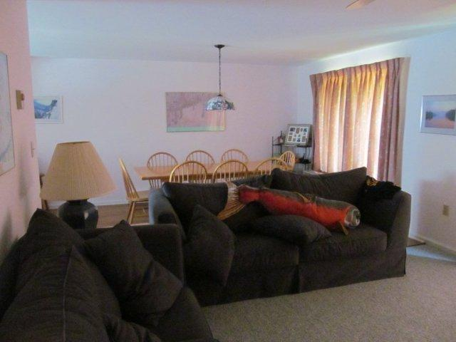 43-O living room.JPG