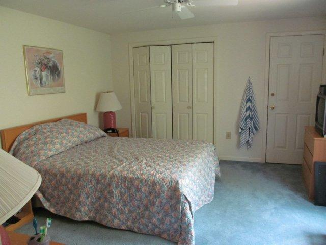 43-O master bedroom.JPG