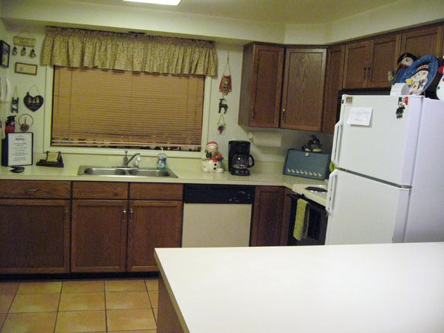 49-P kitchen-1.jpg
