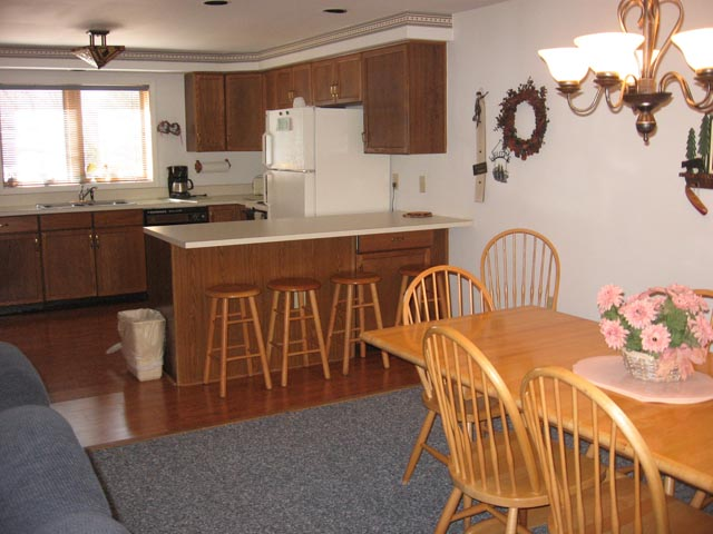 51-P kitchen-dining room.JPG