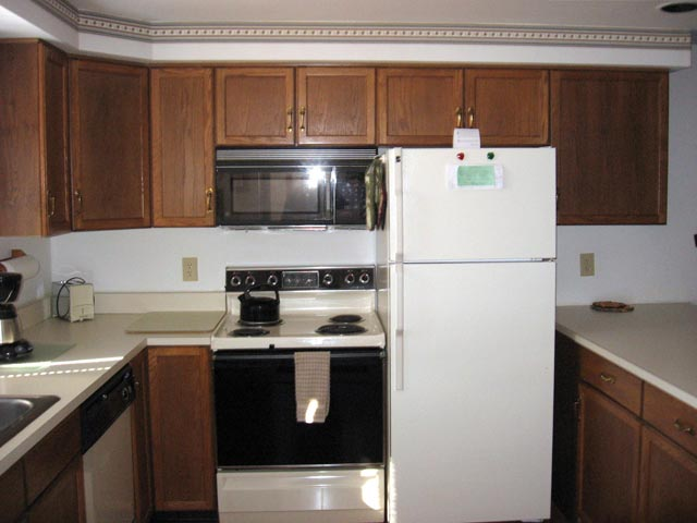 51-P kitchen.JPG