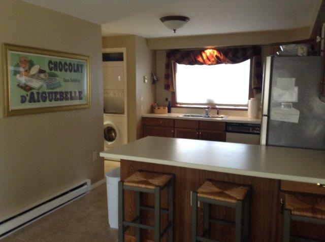 54G- kitchen NEW.jpg