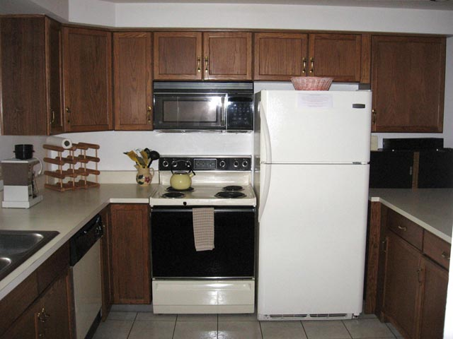 57-P kitchen.JPG