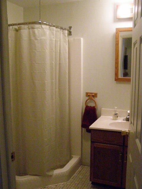 58H- half bath.jpg