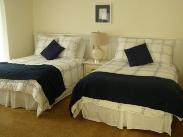 60H- 2nd bedroom.jpg
