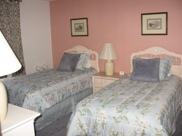 64-H 2nd bedroom. jpg.JPG
