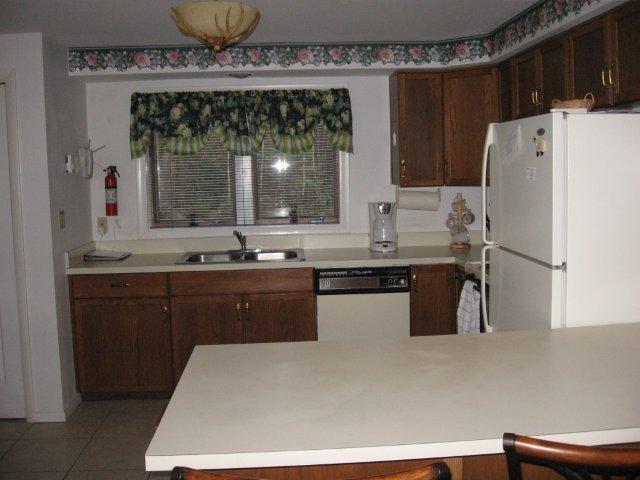 64-H kitchen - bar area. jpg.JPG