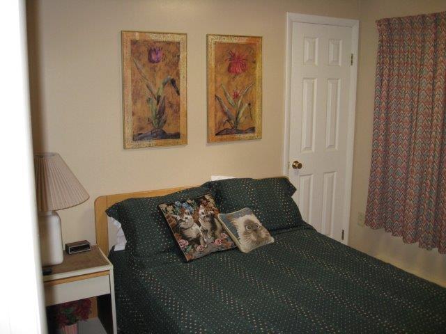 68-Bedroom3.JPG