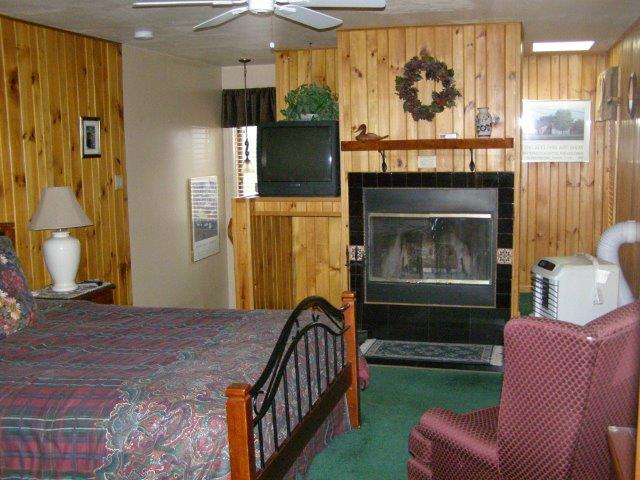 68A- Master Bedroom fireplace.JPG