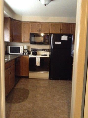 68I- kitchen NEW.jpg