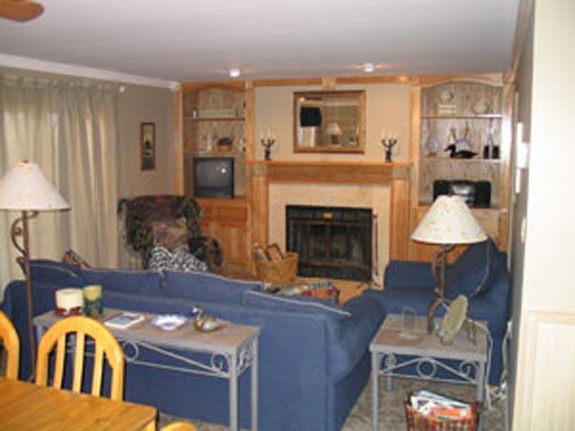 70-I Living room.jpg