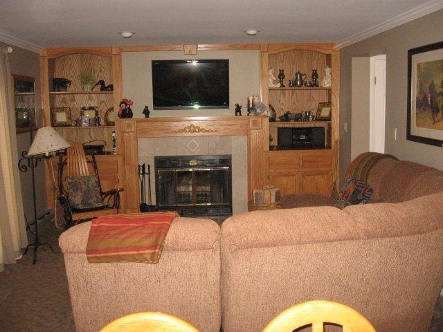 70-I living room-fireplace. jpg.JPG
