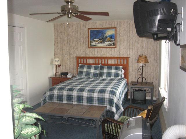 70-I-Master-bedroom.jpg