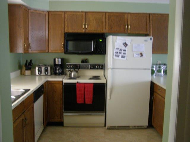 72I- kitchen new.JPG
