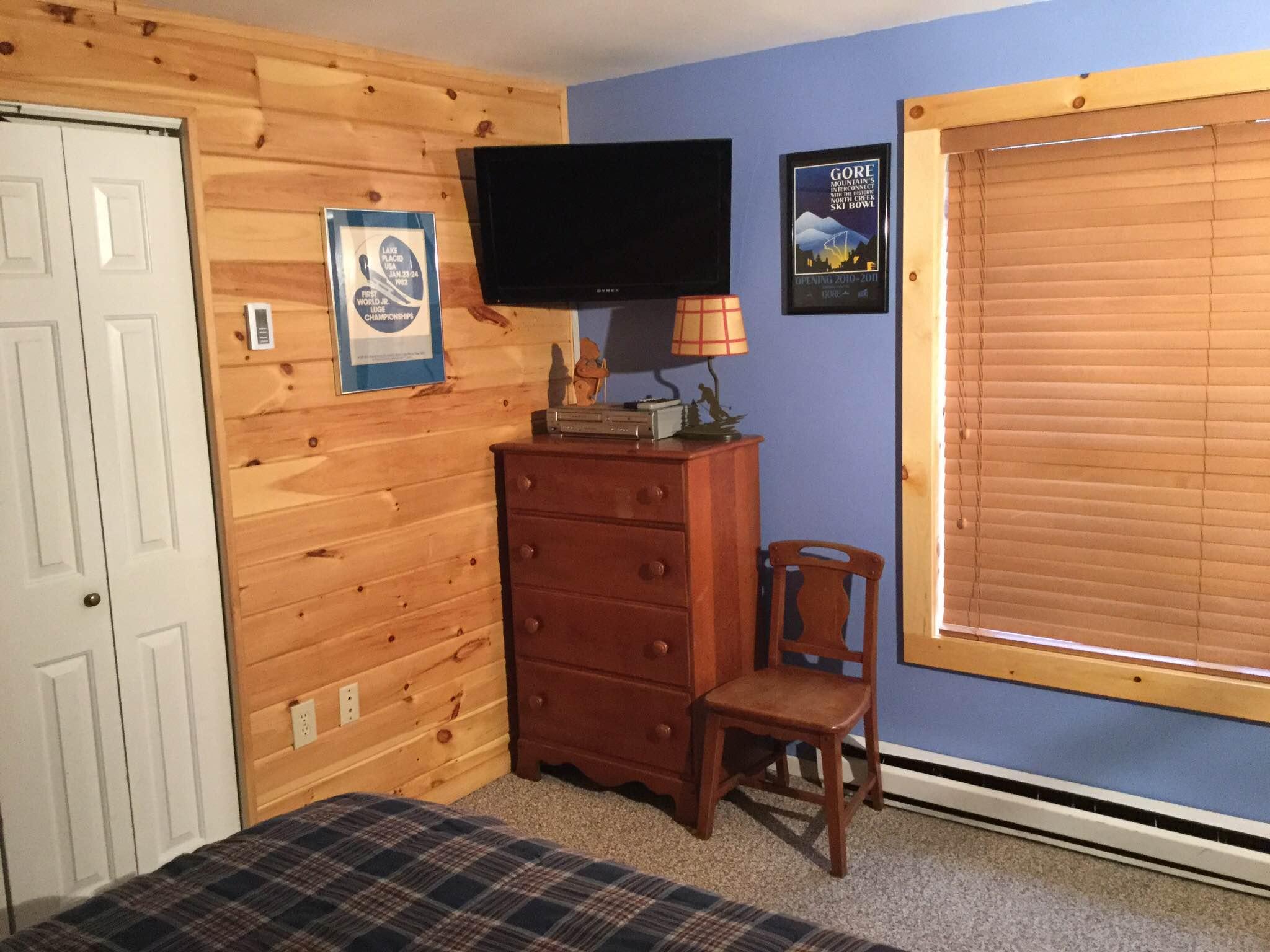 7D-Second Bedroom 2 new.JPG