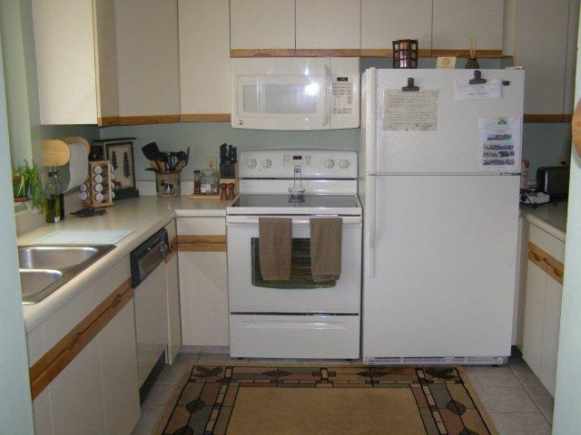 8A kitchen new.JPG