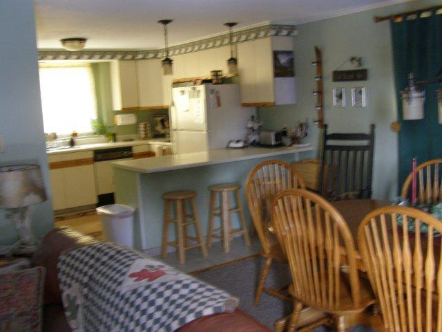 8A- kitchen dining room.JPG