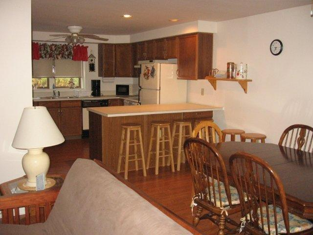 9J- Kitchen-Dining Room. jpg.JPG